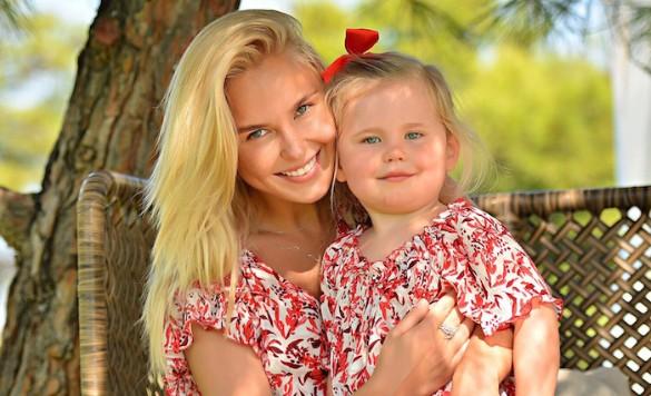 Пелагея с дочерью Таисией. Фото: пресс-служба