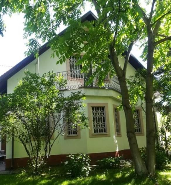 Супруг  Надежды Румянцевой реализует  дом артистки  за42 млн руб.