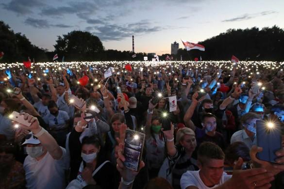 Митинг в поддержку Светланы Тихановской в Минске. Фото: Наталия Федосенко/ТАСС