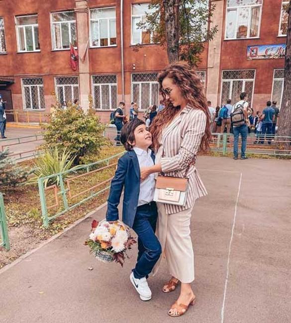 Бородина пришла в школу без штанов