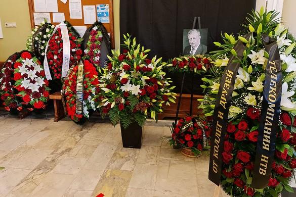 Могила Борисова утонула сразу после похорон