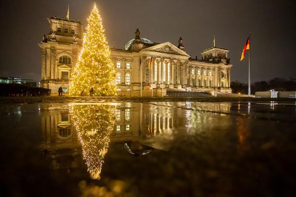 В период с 24 по 26 декабря власти Германии разрешили встречаться максимум 10 гражданам. Фото: Christoph Soeder/dpa/www.globallookpress.com