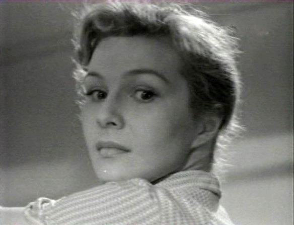 "Нинель Мышкова. Кадр из ""Дом, в котором я живу"" (1957)"