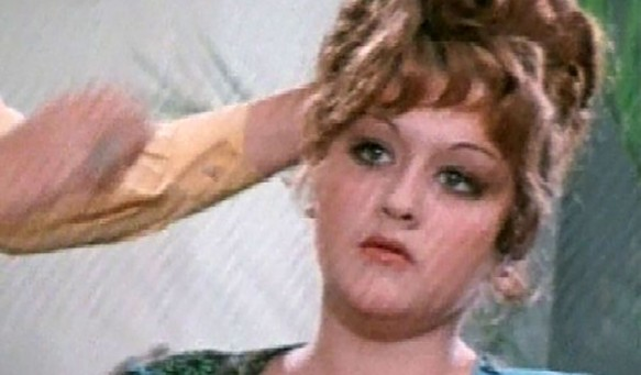"""Кадр из фильма """"Встретимся у фонтана"""" (1976)"""