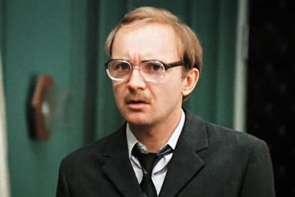 """Кадр из фильма """"Служебный роман"""" (1977)"""