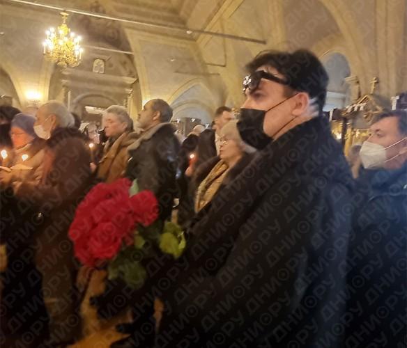 Юлиан на похоронах Лядовой. Фото: Феликс Грозданов/Дни.ру