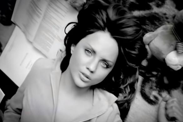 """Фото МакSим из клипа на главный хит """"Знаешь ли ты"""". В 2021 году ролик набрал более 63 миллионов просмотров. Кадр youtube.com"""