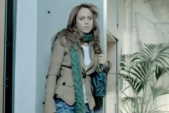 """Фото МакSим из клипа """"Ветром стать"""". Хит выпущен в 2006 году в Москве. Кадр youtube.com"""