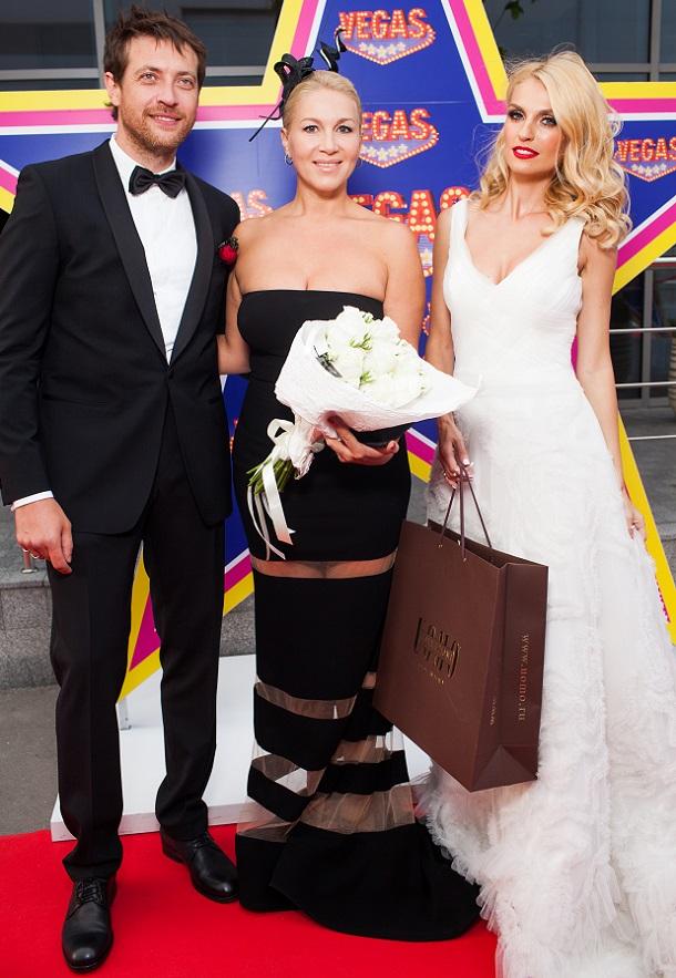 девушку муж саши савельевой фото со свадьбы этого читал интернете