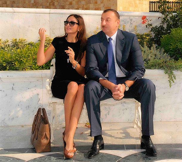 Арзу Алиева | Блогер Donatella на сайте SPLETNIK.RU 17 июля 2011 | СПЛЕТНИК