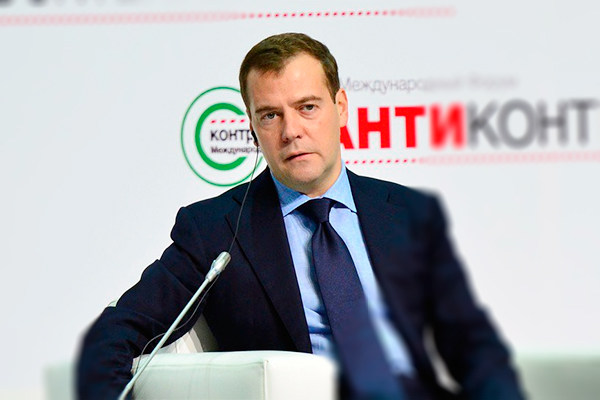 Медведев делает ставку на Рунет