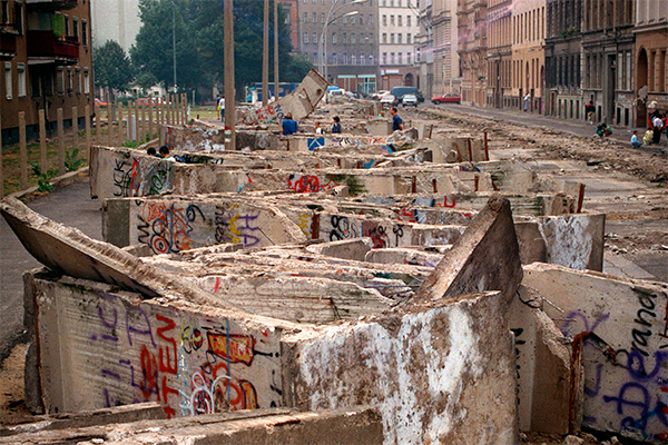 Разобран участок Берлинской стены