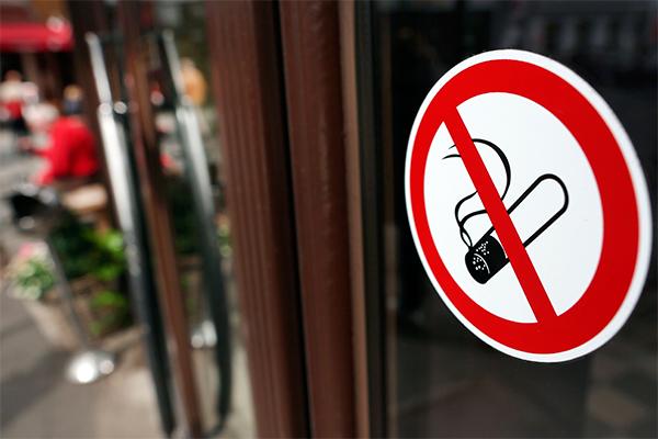 Курильщиков в Москве будут ловить