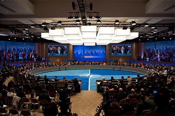 Саммит НАТО пройдет без участия России