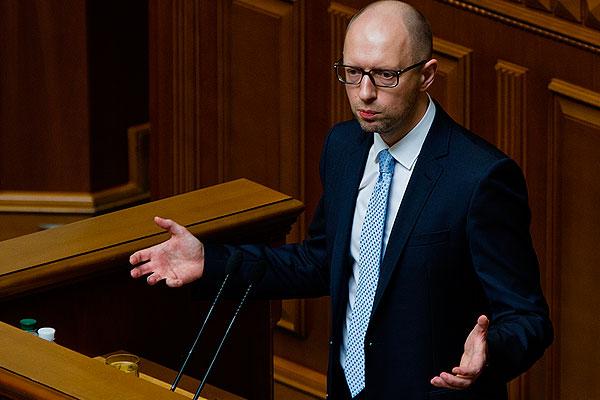 Яценюка обвинили в подтасовке