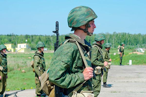 Путин поднял армию по тревоге
