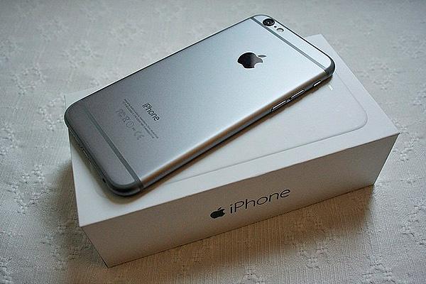 В России начали продавать iPhone 6