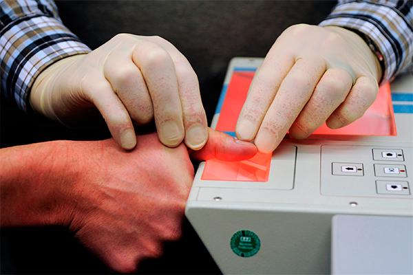 Британцы сдадут отпечатки для визы