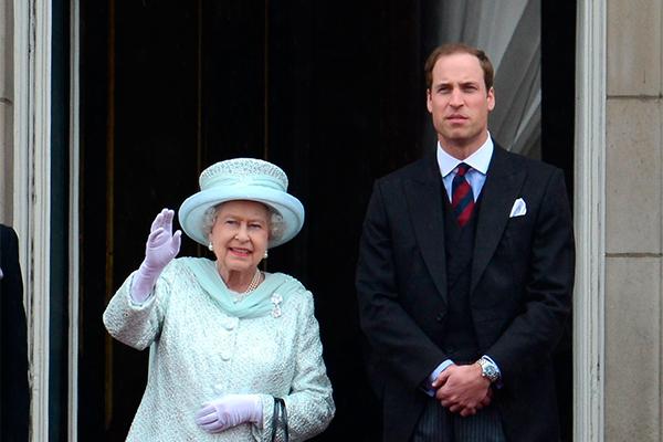 Елизавета II передает трон Уильяму