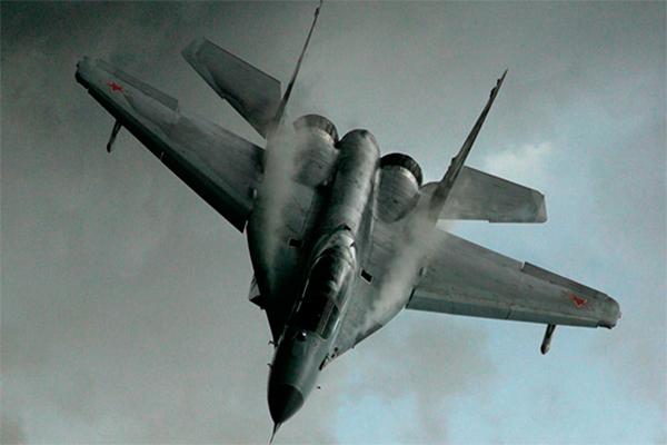 МиГ-29 упал перед школой в Подмосковье