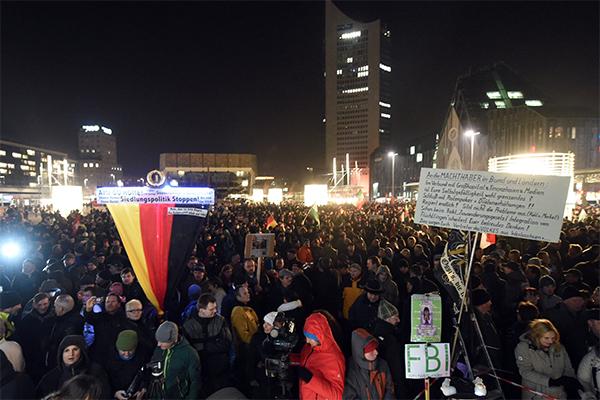 Немцы протестуют против политики США