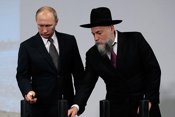 Путин о попытках переписать историю