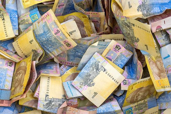 Украинцы заплатили за войну $176 млн