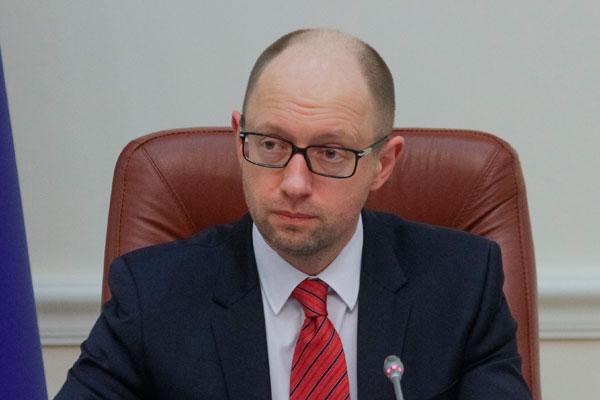 За отставку Яценюка собирают подписи