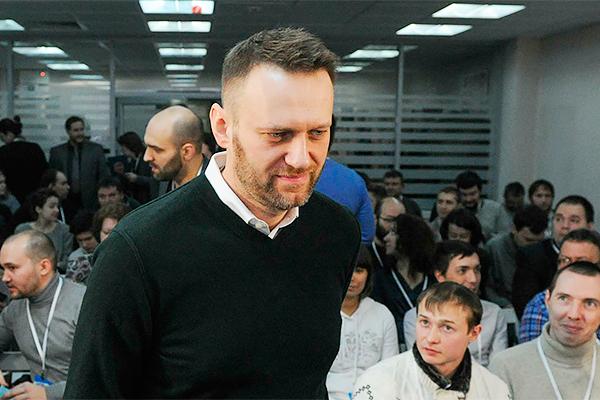 Навальный пытается пролезть в Думу