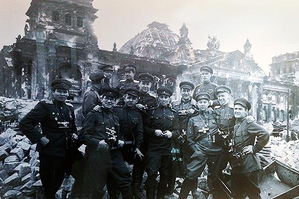 Герои Победы в Берлине 1945-го