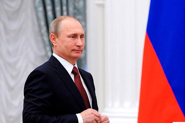 Путин подписал закон о митингах