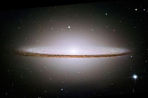 Физики пророчат разрыв Вселенной