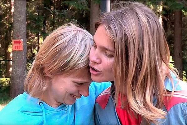 Оксана и Наталья Водяновы. Фото: youtube.com