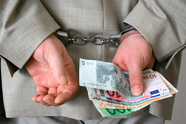 Борьба с коррупцией стала системой