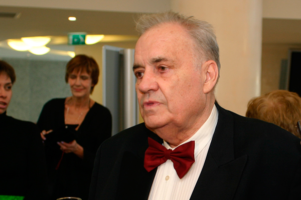 Политики скорбят по Рязанову