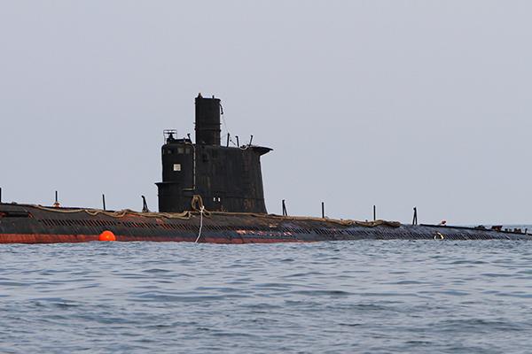 Субмарина встретилась с ВМФ