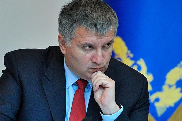 Киев стыдится Саакашвили и Авакова