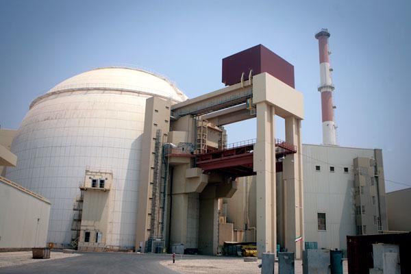 Иран залил цемент в ядерный реактор