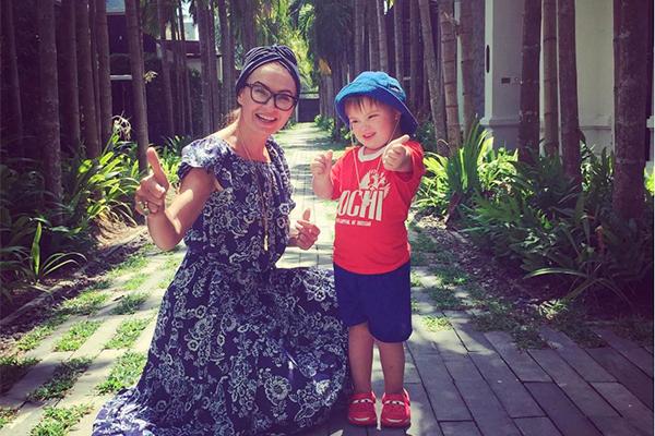 Эвелина Бледанс с сыном Семеном. Фото: instagram.com/bledans