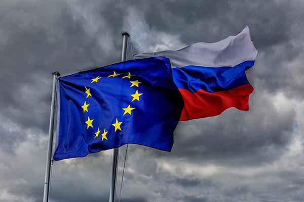 Европа совершает самоубийство