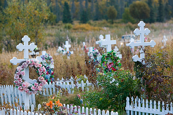 На кладбищах хотят играть концерты