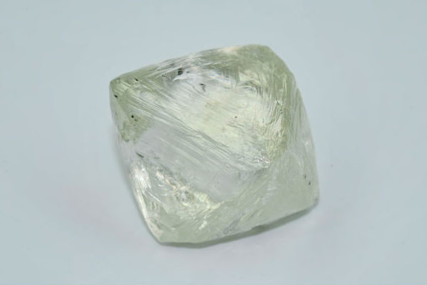 В Якутии нашли алмаз весом 122 карата