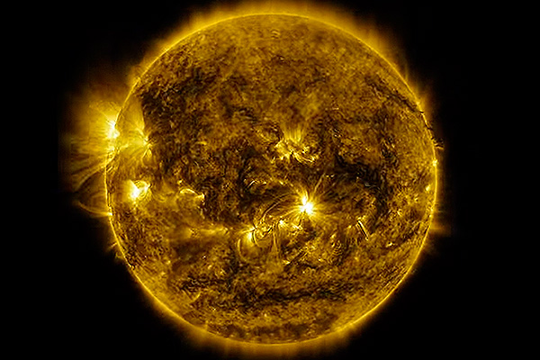 NASA показало год жизни на Солнце