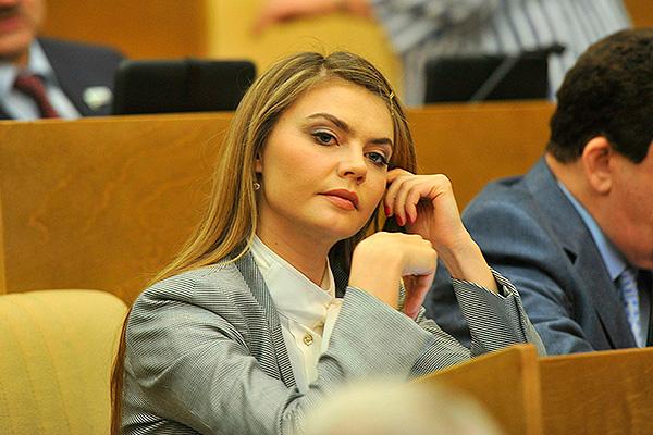 Алина Кабаева поделилась опасениями