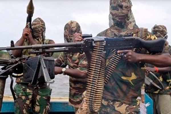 Нигерийские пираты угрожают казнить россиянина