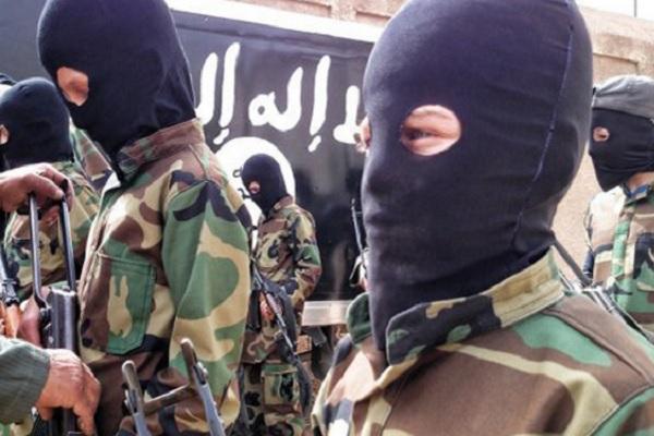 """12-летняя террористка """"ИГ"""" казнила пять женщин"""