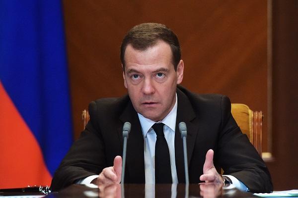 Медведев показал королевский дворец