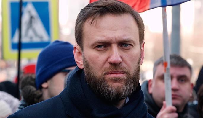 От Навального требуют извинений