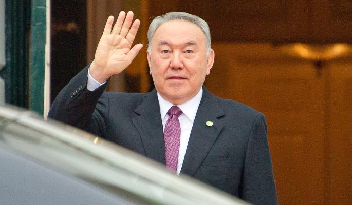 Назарбаева спасли от участи Януковича
