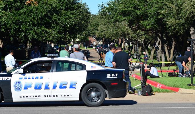 Снайпер застрелил четверых полицейских во время беспорядков в Далласе